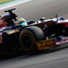Luiz Razia condujo el STR7 en los test de Abu Dabi