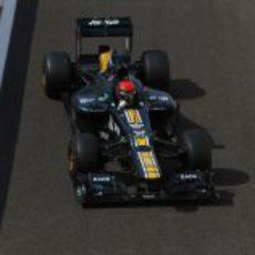 Alexander Rossi terminó último en los test de Abu Dabi