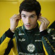 Alexander Rossi se prepara para rodar con Caterham en Abu Dabi