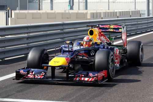 Robin Frijns rodó con Red Bull el tercer día de test en Abu Dabi