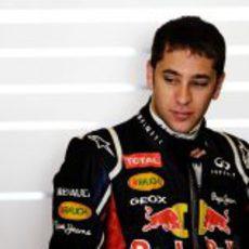 Robin Frijns estuvo con Red Bull el tercer día de test en Abu Dabi