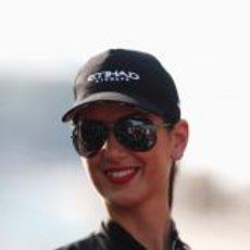 Una de las 'pit babes' del GP de Abu Dabi 2012