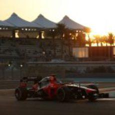 Timo Glock aprovecha los últimos instantes de sol en Abu Dabi