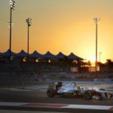Nico Rosberg logró pasar a la Q3 en Abu Dabi