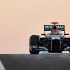 Michael Schumacher termina los Libres 3 en Abu Dabi