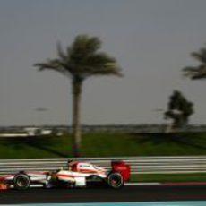 Pedro de la Rosa prueba el F112 en los Libres 3 de Abu Dabi