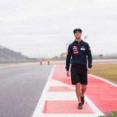 Daniel Ricciardo pasea por el Circuito de las Américas