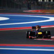 Sebastian Vettel en el primer sector del COTA