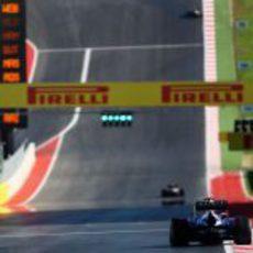 Sebastian Vettel en la recta de meta de Austin