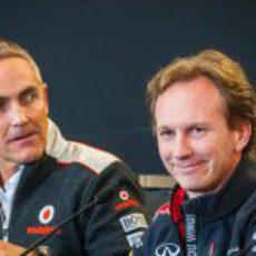 Martin Whitmarsh y Christian Horner en rueda de prensa