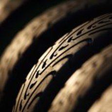 Los neumáticos de lluvia cogen polvo