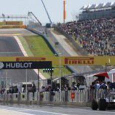 Pastor Maldonado en el pitlane del Circuito de las Américas
