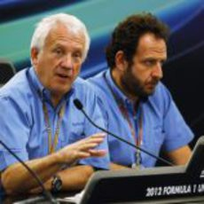 Charlie Whiting en conferencia de prensa
