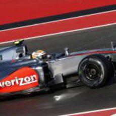 Lewis Hamilton prueba el neumático medio en Austin