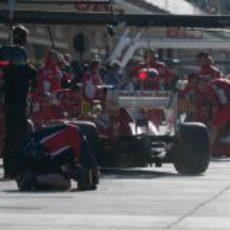 Ensayo de cambio de neumáticos del equipo Ferrari