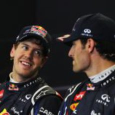 Sebastian Vettel y Mark Webber en la rueda de prensa