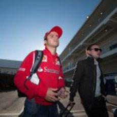 Felipe Massa llega al circuito el día de la carrera