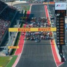 Los coches se preparan en la parrilla del GP de Estados Unidos 2012