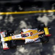 Alonso entre las sombras de Mónaco