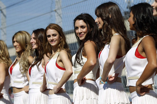 Las 'pit babes' juntas antes de la carrera de Austin