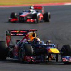 Vettel perseguido por Hamilton en EE.UU.