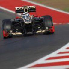Kimi Räikkönen disputa los Libres 1 del GP de Estados Unidos 2012
