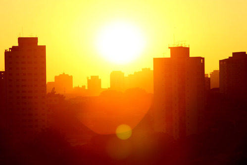 Cae la noche en Sao Paulo