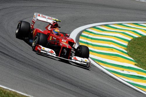 Felipe Massa parece competitivo en su circuito talismán