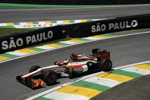 Pedro de la Rosa rueda en Interlagos con el F112