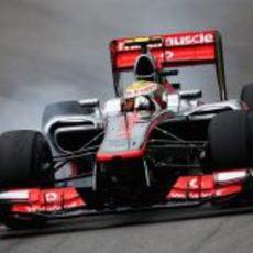Lewis Hamilton se pasa de frenada en los libres 3 de Brasil 2012