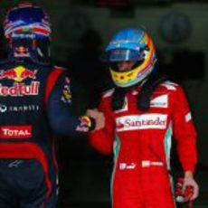 Webber y Alonso se saludan tras la clasificación de Interlagos