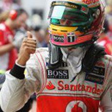 Lewis Hamilton contento tras su 'pole' en Brasil 2012