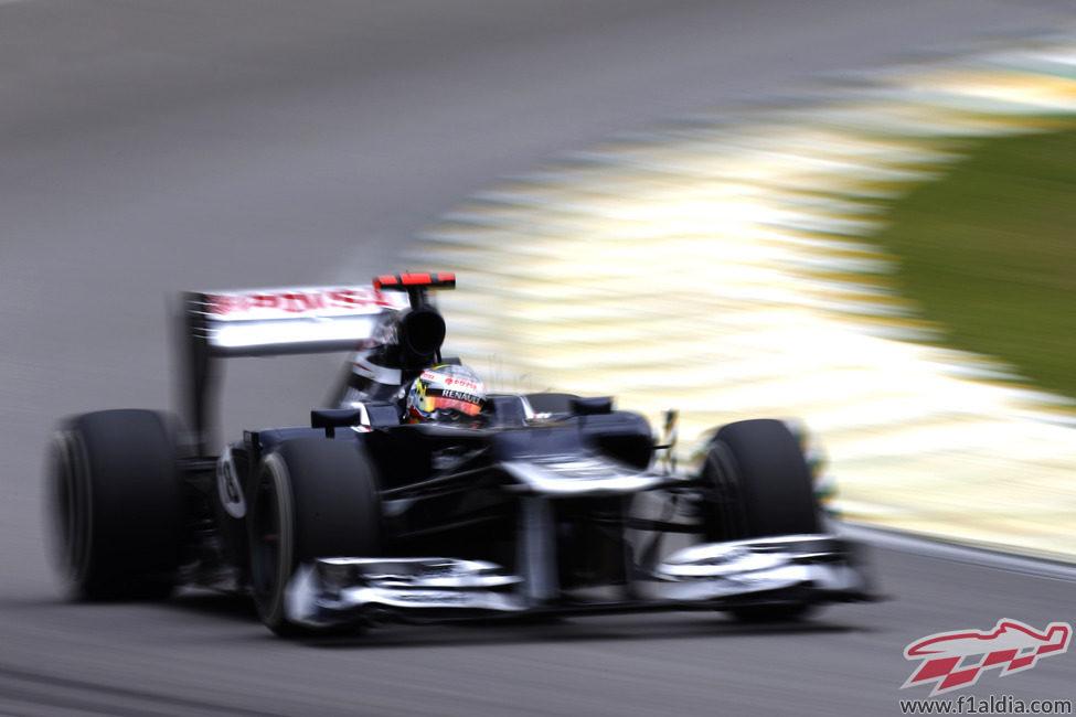 Pastor Maldonado exprimió su Williams en la clasificación de Brasil