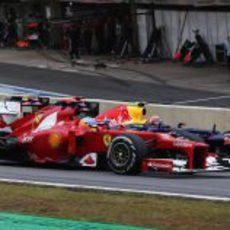 Alonso y Webber en paralelo en Interlagos