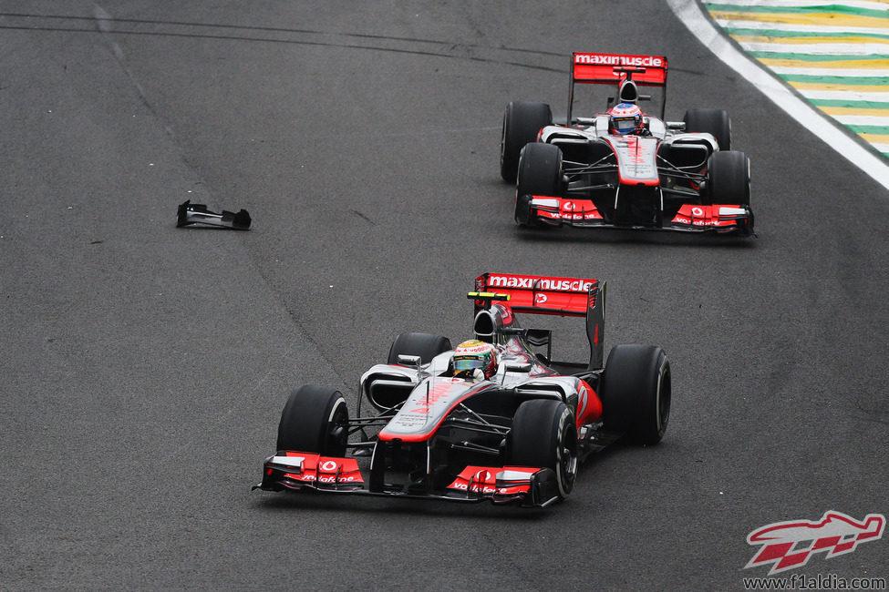 Los dos McLaren lideran la carrera de Brasil 2012