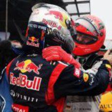 Schumacher felicita a Vettel por su tercer título