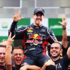 Tres títulos para Sebastian Vettel