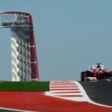 Fernando Alonso rueda en el Circuito de las Américas