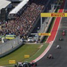 Bruno Senna pilota por delante de su compañero en Austin