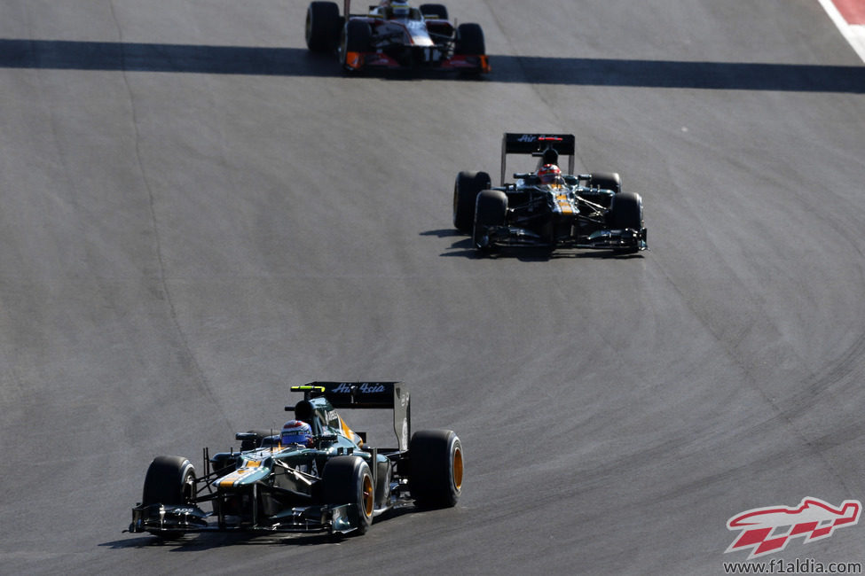 Los dos Caterham ruedan durante el GP de Estados Unidos 2012