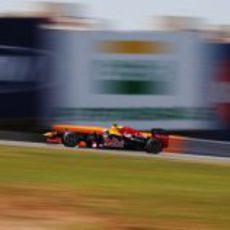 Mark Webber completa los últimos Libres 1 del año en Brasil
