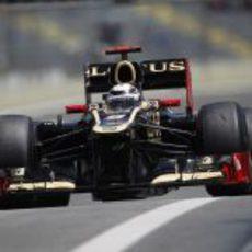 Kimi Räikkönen prueba el compuesto duro en Brasil