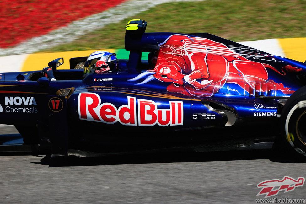 Jean-Eric Vergne se acerca a una curva en Interlagos