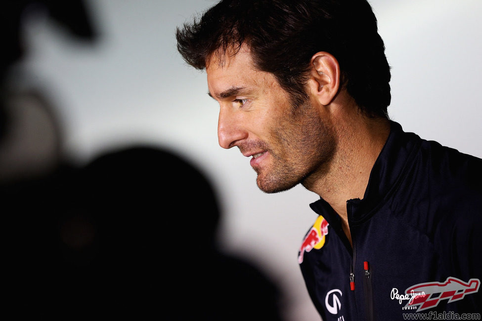 Mark Webber en la sede de Red Bull tras el final de temporada 2012