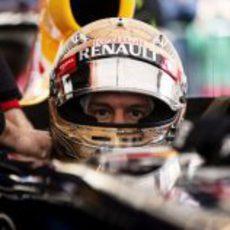 Sebastian Vettel en su RB8 para la exhibición en Graz