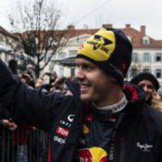 Sebastian Vettel saluda a las gentes de Graz