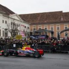 Sebastian Vettel rueda por las calles de Graz