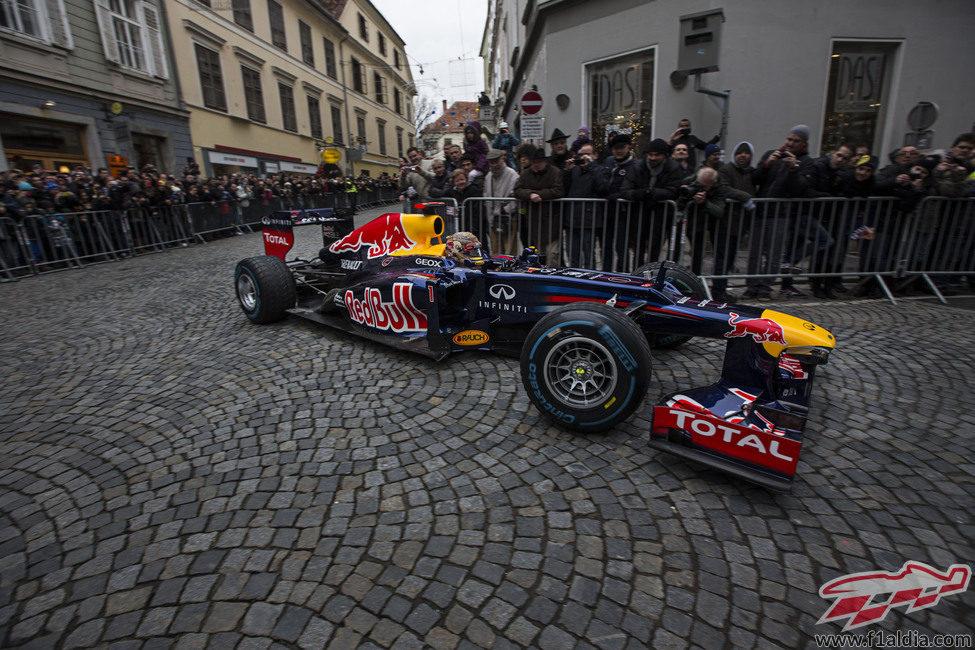 Sebastian Vettel y su RB8 en Graz