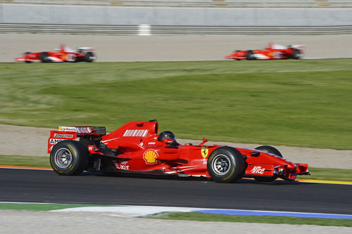 El Ferrari de 2007 rueda en Cheste 2007