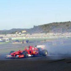Fernando Alonso hace 'donuts' en Cheste 2012